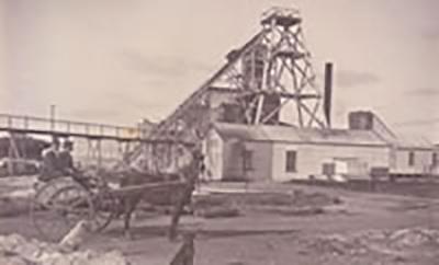 Historic photo of the Edna May Gold Mine - courtesy of www.westonia.wa.gov.au